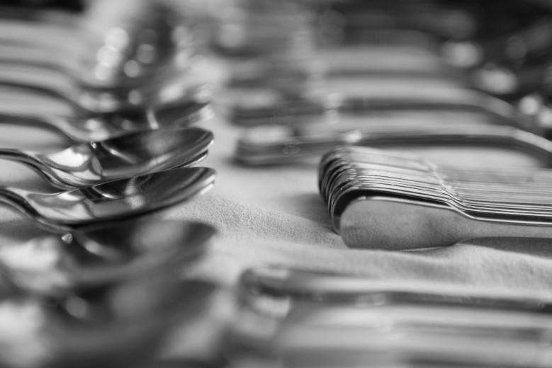 Fotografía de utensilios de cocina cubiertos