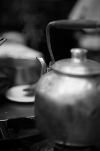 Fotografía de utensilios de cocina pava