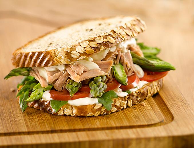 Fotografía de alimentos sandwich atún