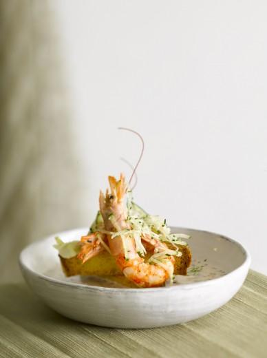 fotografía de alimentos langostinos